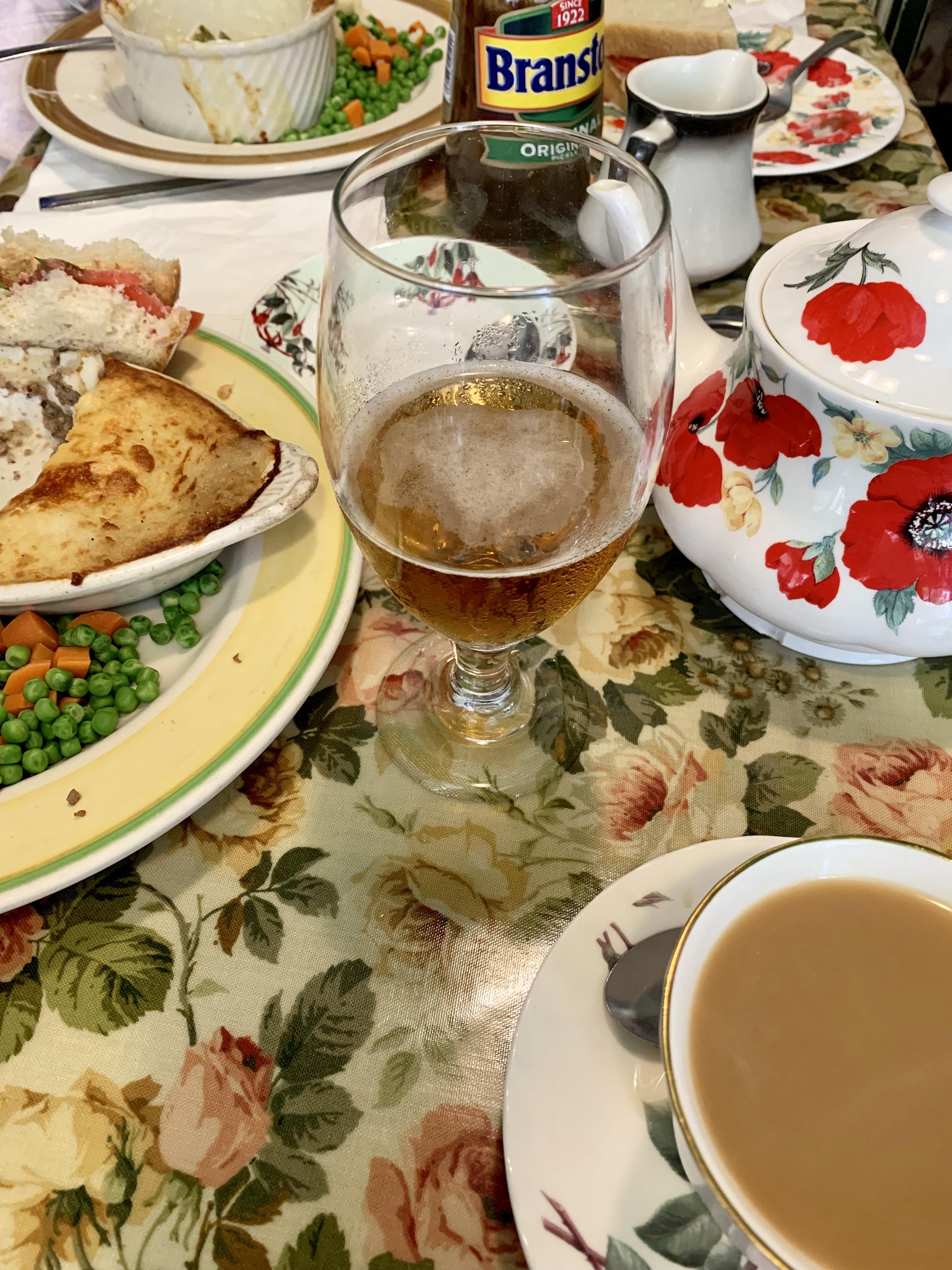 Tea & Sympathy Table